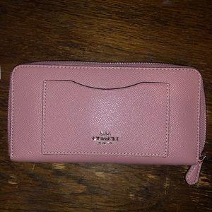 Coach Accordion Crossgrain Leather Zip Wallet